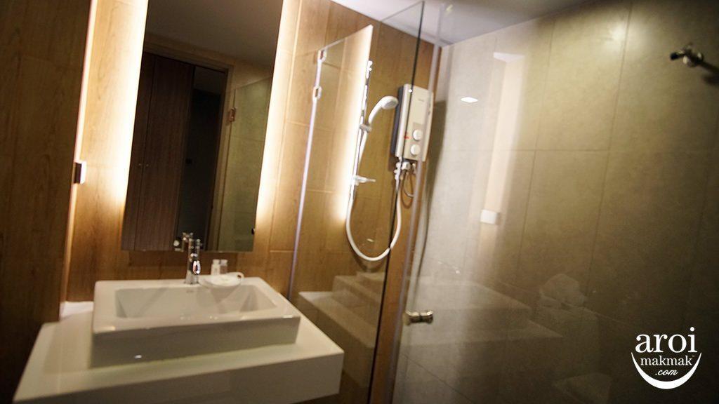 NAPhotelpratunam-toilet