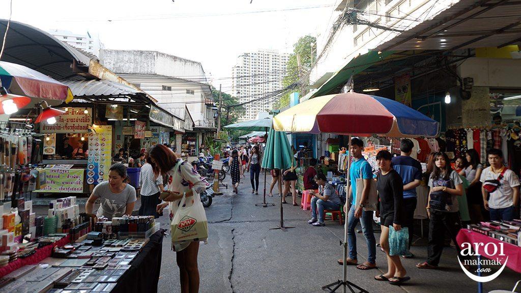 khlongsanplaza-street1