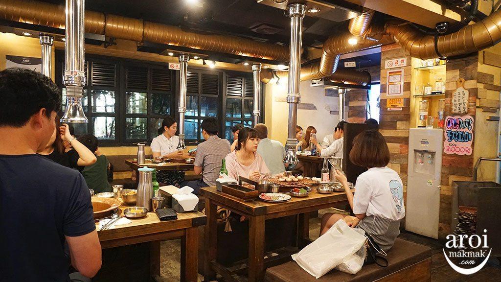 KoreanBeefBBQ_interior1