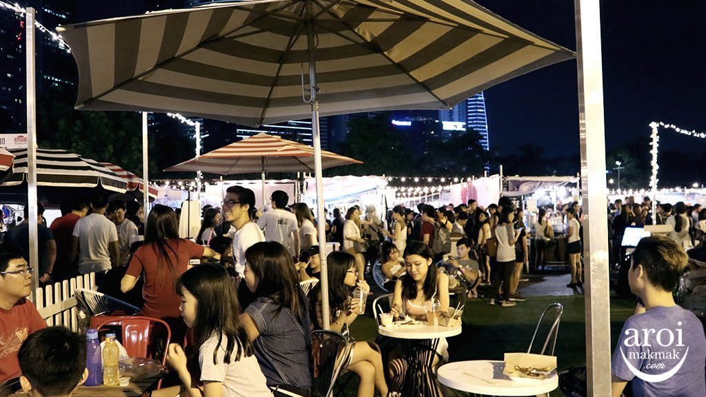 ARTBOXSINGAPORE-SITTINGAREA-TABLES