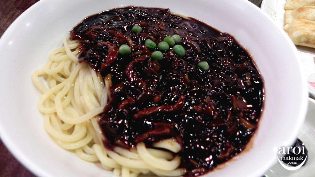 jajjangmyeon-blackbeansauce-busanhongkongbajeom0410