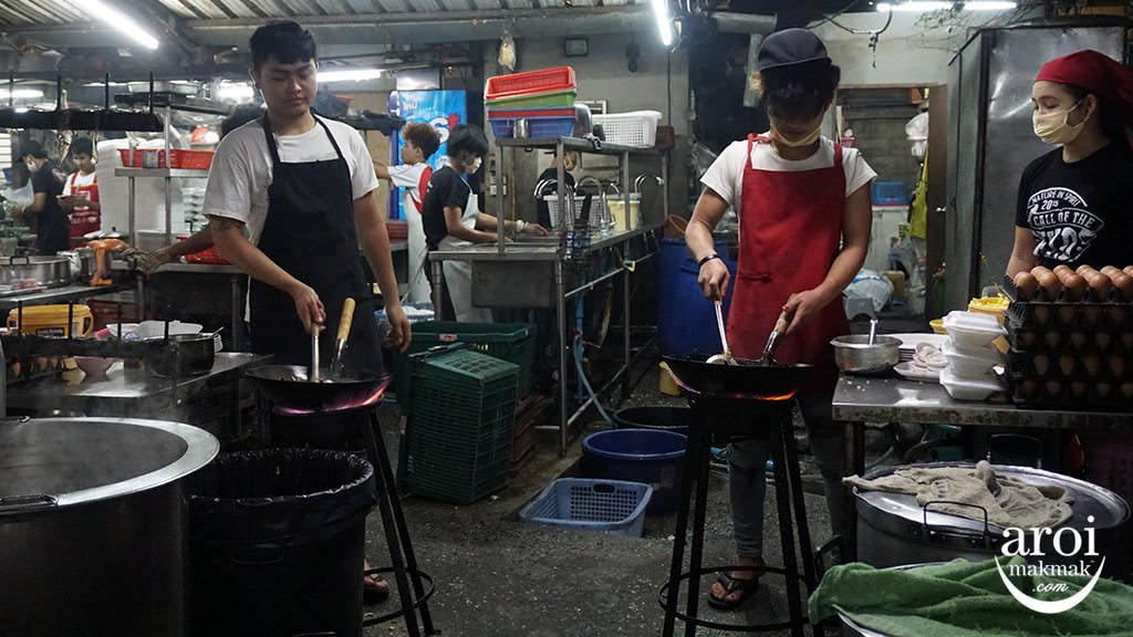 MuangThong-Cooking1