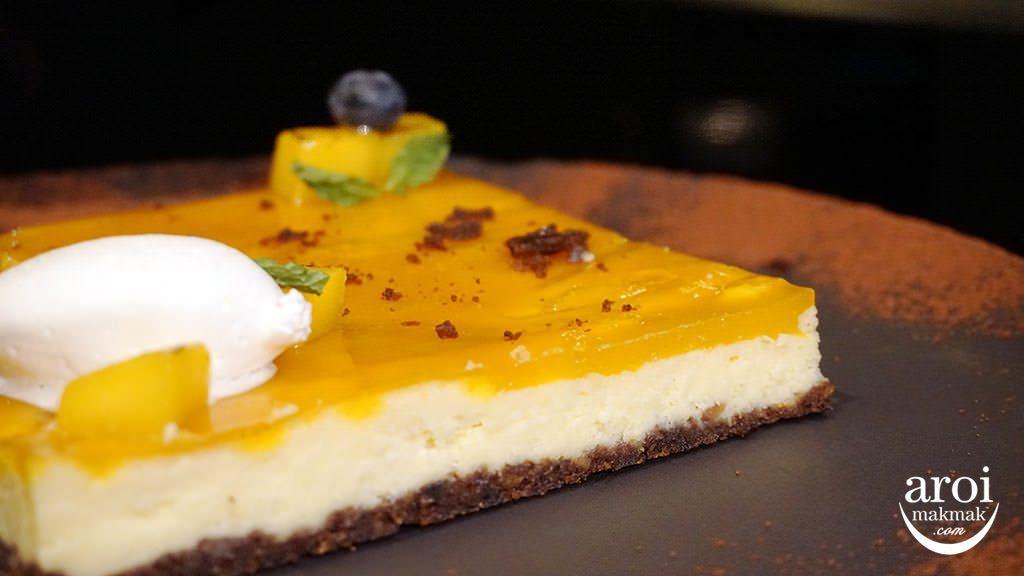 deelitedinnerbuffet-cheesecake