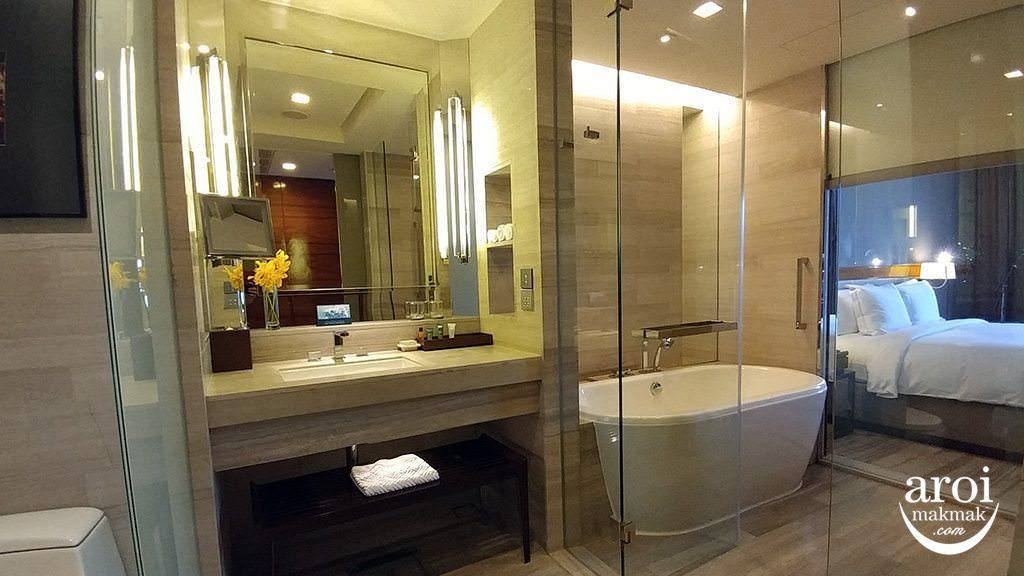 hiltonsukhumvitbangkok-bathroom1