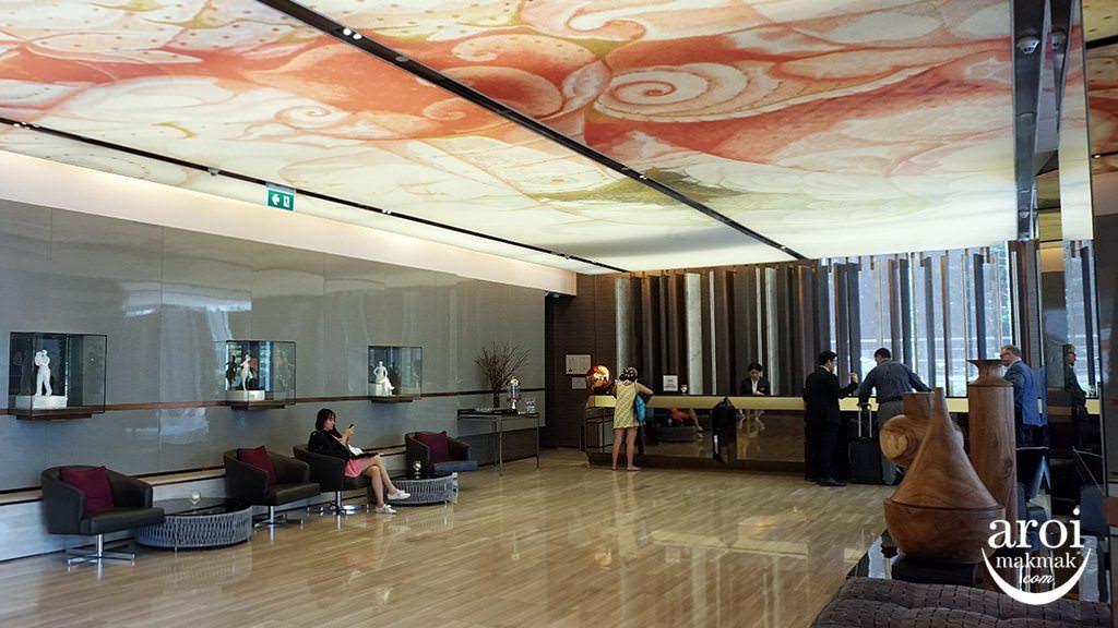hiltonsukhumvitbangkok-lobby1