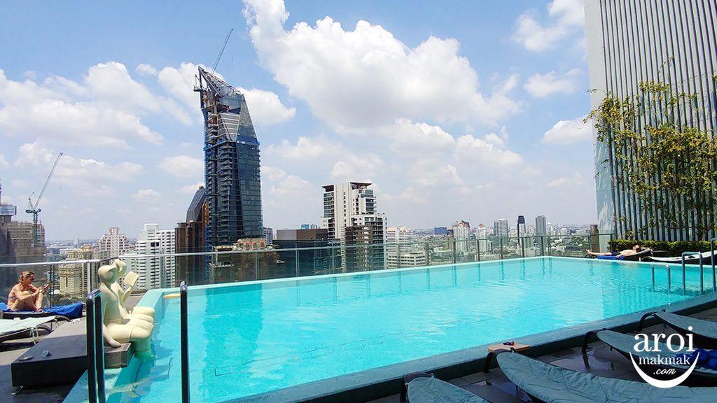 hiltonsukhumvitbangkok-swimmingpool1