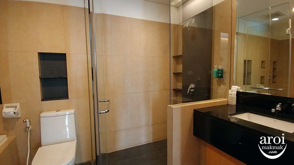 shamasukhumvit-bathroom