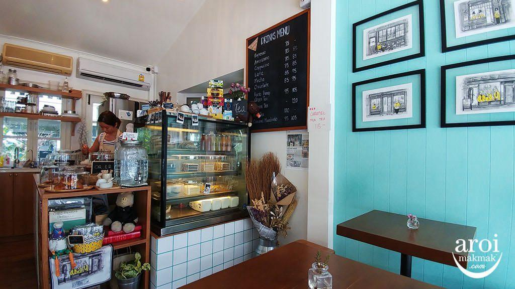 warmwelcomecafe-interior