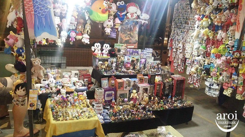 KatRinKhamNightMarket-toys