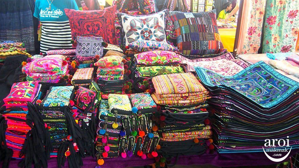 anusarnnightmarket-pouches