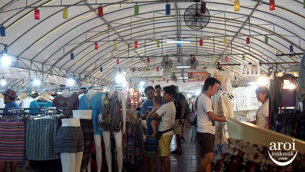 anusarnnightmarket-shopping