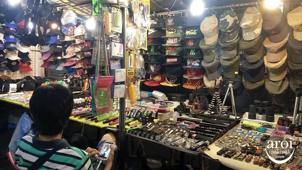 anusarnnightmarket-shops