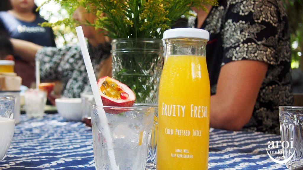 meena-ricebasedcuisine-orangejuice