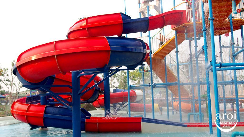 tubetrekwaterpark-waterslide
