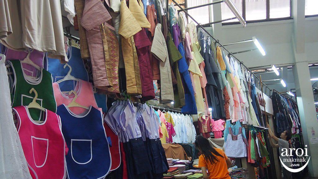 warorotmarket_shopping_clothing