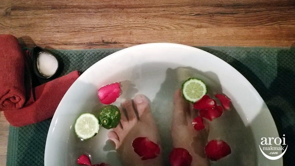 divananurturespa-footscrub