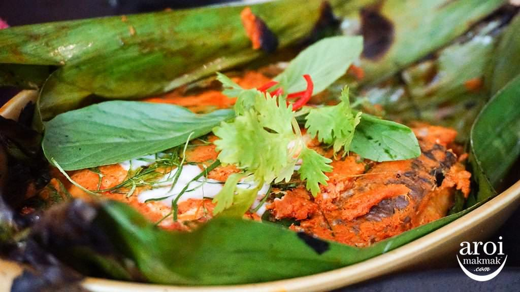 suanbuathairestaurant-GrilledMeaLarfishcurry