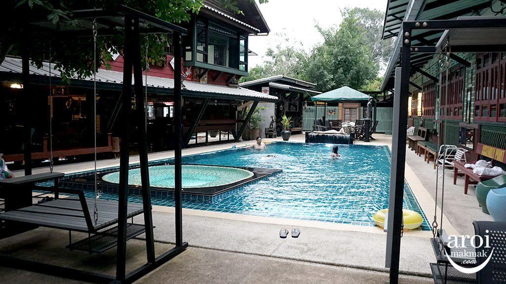 BanMaiChayNamHotel_Pool