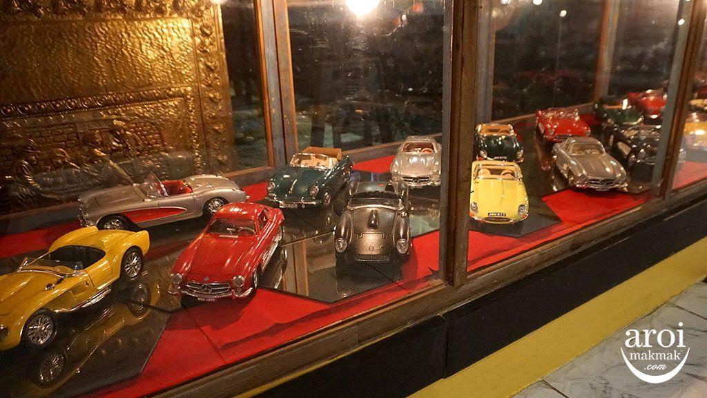 BanMaiChayNamMuseum_Cars