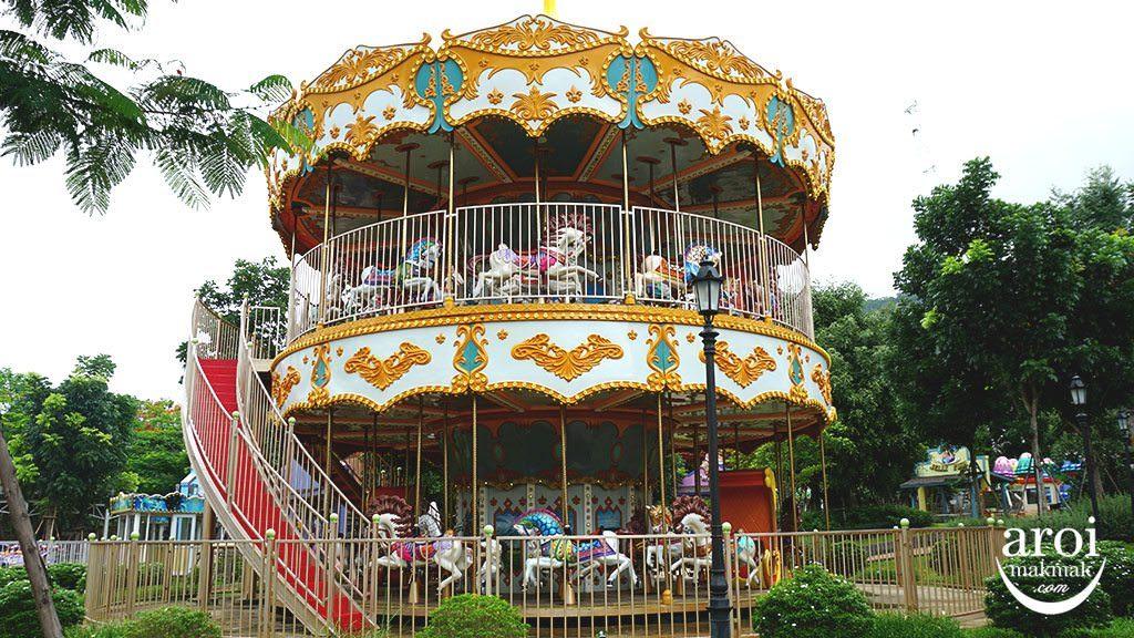 scenicalworld_carousel