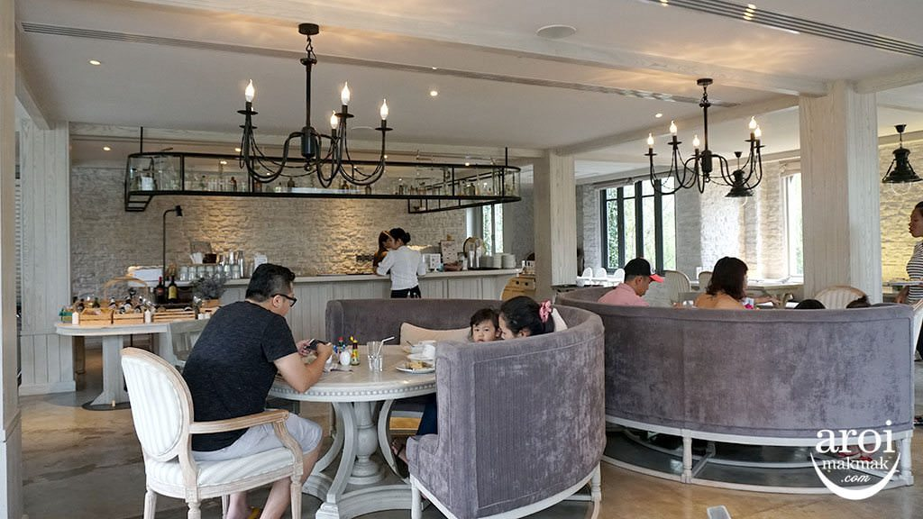 thamesvalleycastle_restaurant