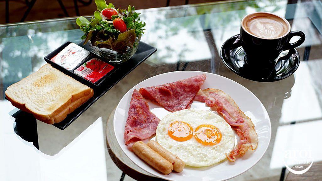 thebirderslodge_breakfast