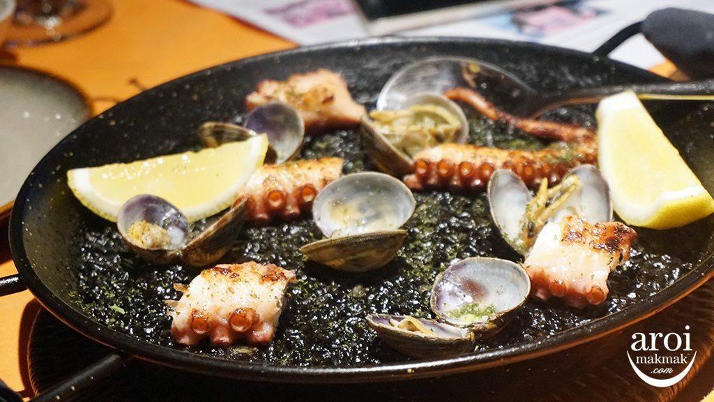 arrozbangkok-squidinkpaella