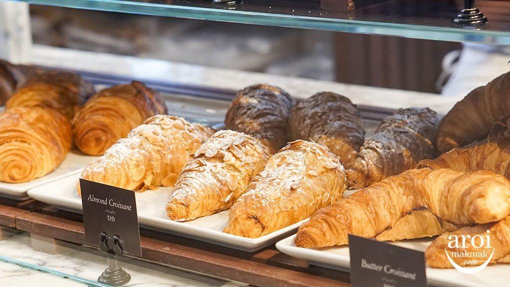 holeyartisanbakery-croissant