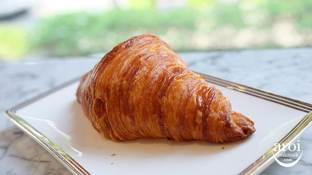 parismikkibangkok-croissant