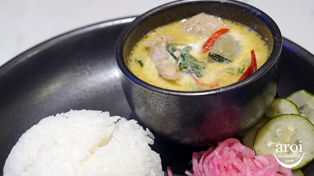 bangkokjambugis-greencurry