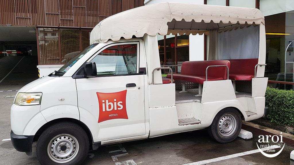 ibissukhumvit4-shuttlevan