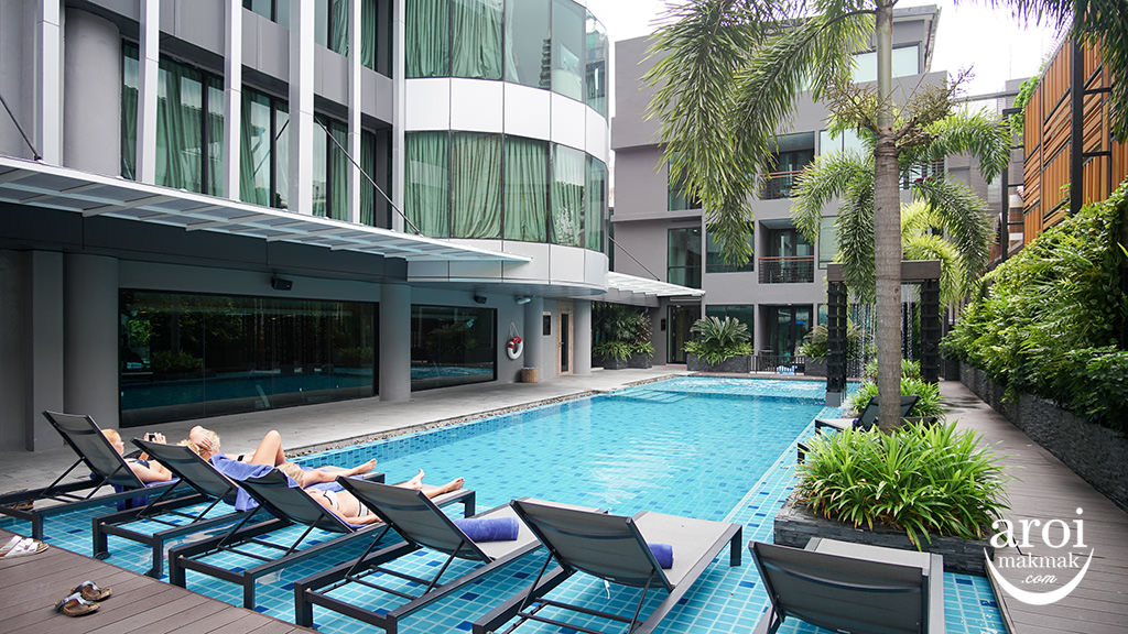solitairesukhumvit11-swimmingpool1