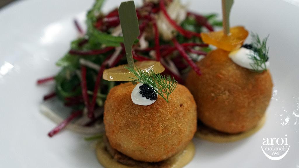 karmakametdiner-crabcake