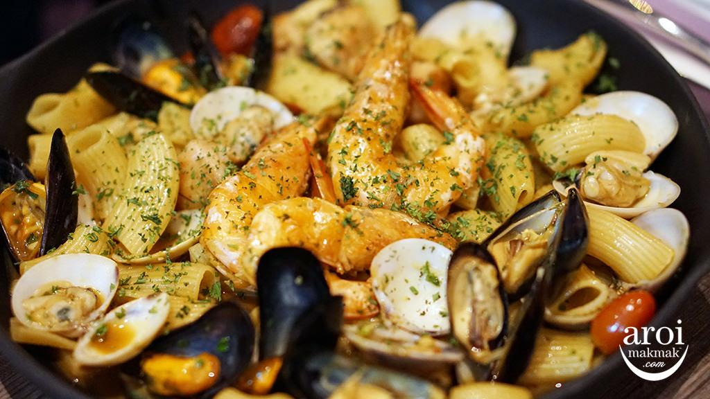 LaDottaLaGrassa-seafoodpasta