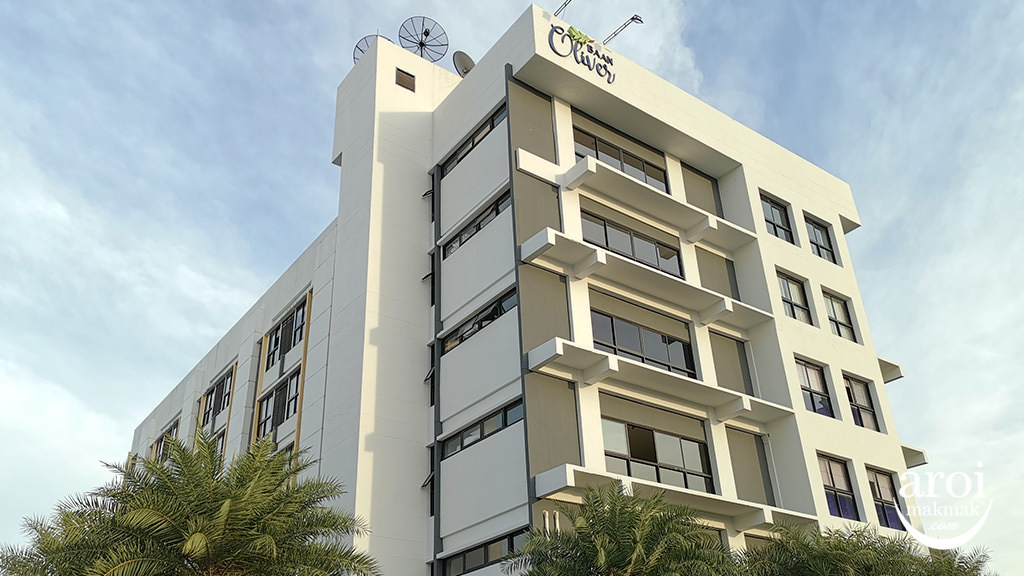 baanoliverhotel-facade