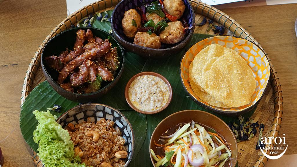 baanyingsg-buffetspread1