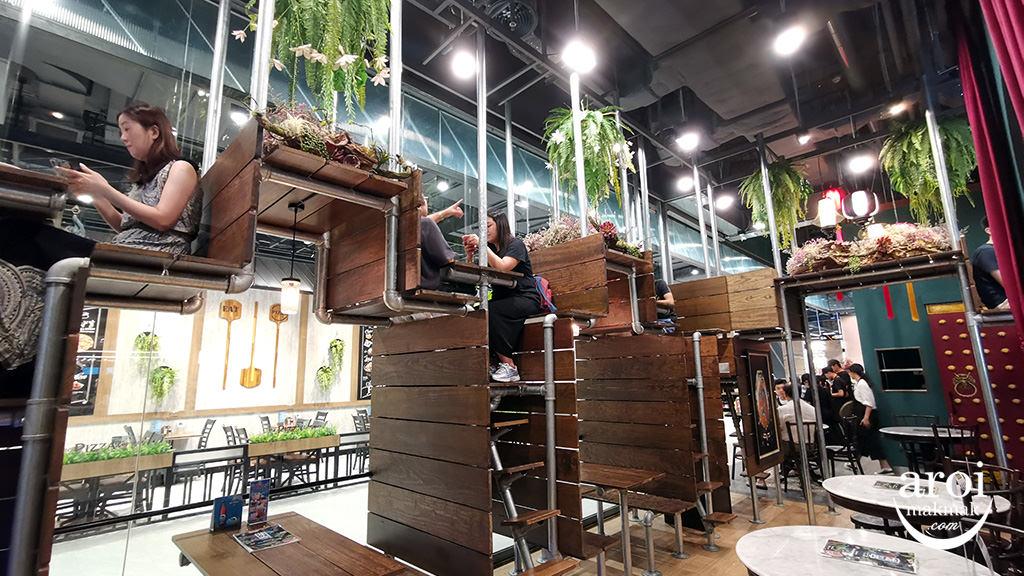 lhongtouthemarket-interior1