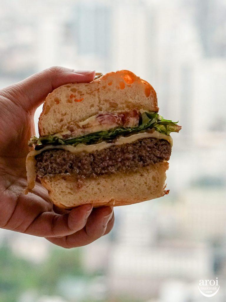 mahanakhonskybar-mahanakhonburger2
