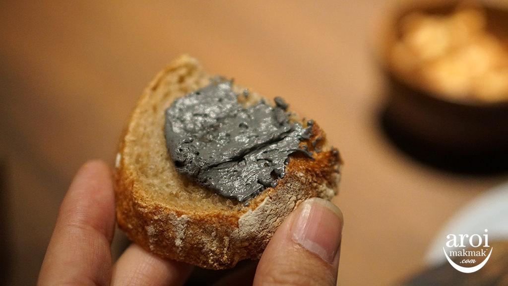 miabangkok-bread2