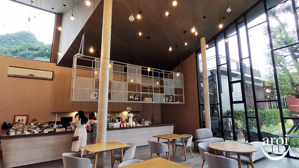 mountfulcafe-interior3