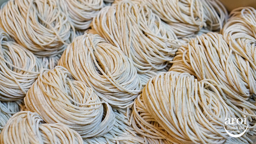menyaittobangkok-noodles